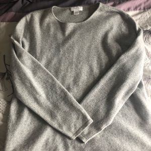Marshall Fields cashmere long sleeve sweater